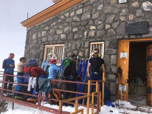 Damavand, Skitour Damavand, Damavand besteigen, Damavand mit Ski, Gipfelerfolg Damavand, Damavand pdf