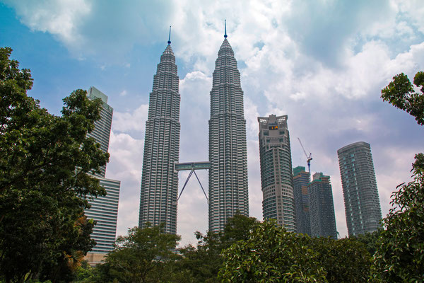 Petronas Twin Towers - 452 Meter hoch
