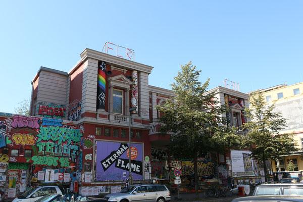 Rote Flora - Autonomes Kulturzentrum - Besetzt seit 1989