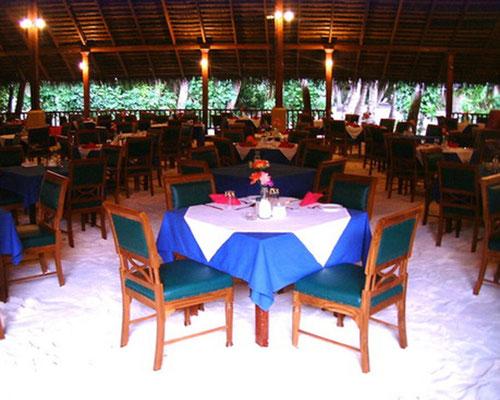 Barfuß-Restaurant - auf der gesamten Insel braucht man keine Schuhe