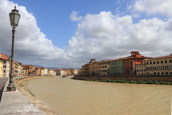 Pisa am Fluß Arno