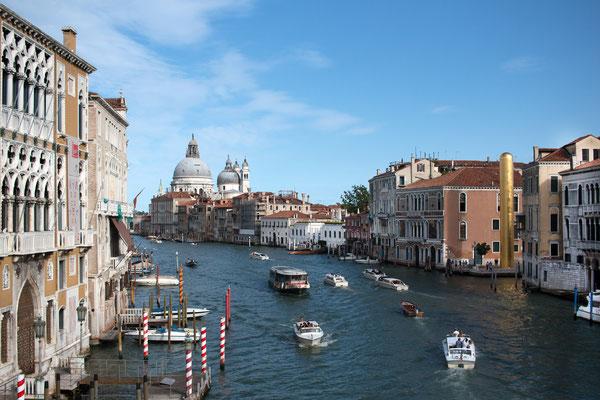 Canal Grande -  Blick auf die Salutekirche
