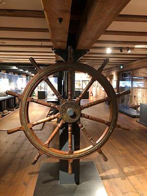 In der Ausstellung gibt es mehr als 100.000 Exponate aus 3000 Jahre Schifffahrtsgeschichte -  vom Einbaum bis zum Containerriesen
