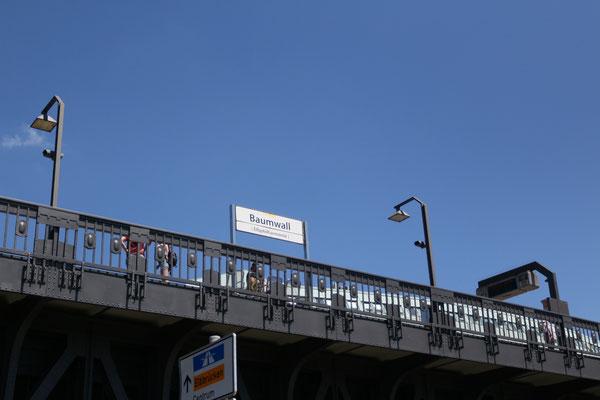 "U3-Bahnhof Baumwall - seit 2. Dezember 2016 mit dem Namenszusatz ""Elbphilharmonie"""