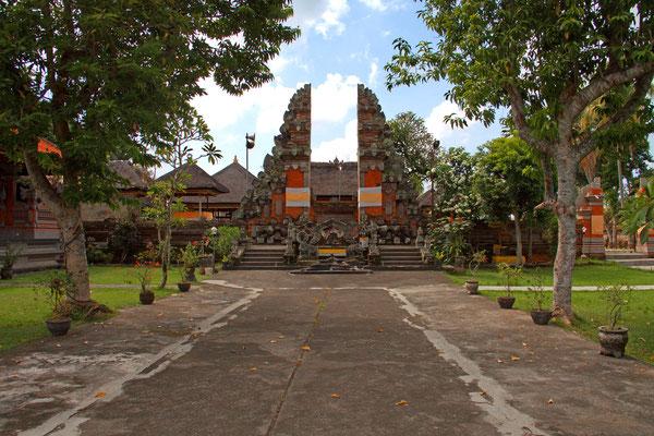 Pura Penataran Sasih in Pejeng  -  Staatstempel des früheren Pejeng-Koenigreichs.