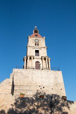 Uhrturm / Roloi - Erbaut im Jahre 1851 überragt er die gesamte Altstadt und ist der höchste Aussichtsturm der Stadt.