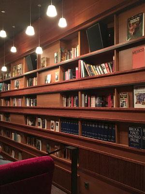 Saal 3 (im Bibliotheks-Look) mit 75 Plätzen