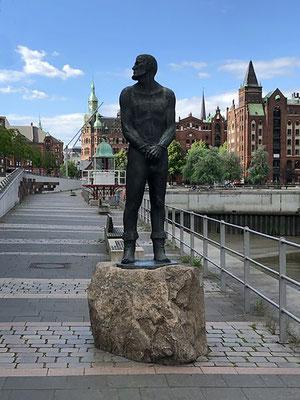 Störtebeker Denkmal am Großen Grasbrook - berühmter Hamburger Pirat und Seeräuber