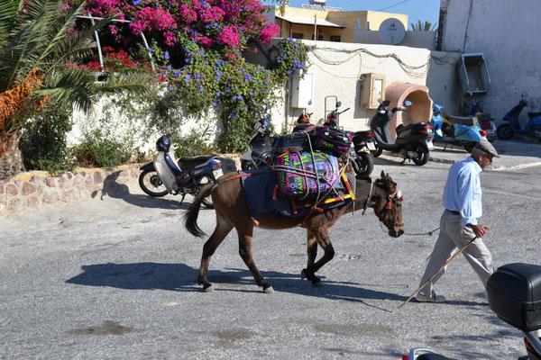 Lastentaxi von Santorin