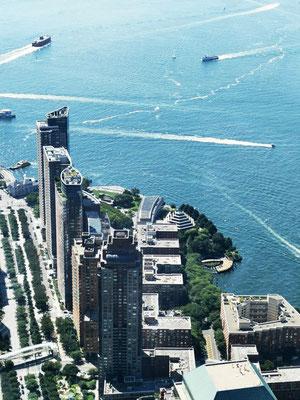 Downtown Manhattan & Battery Park © Ben Simonsen