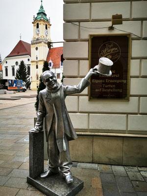 Naci Statue © Ben Simonsen