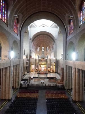Kirchenschiff der Nationalbasilika