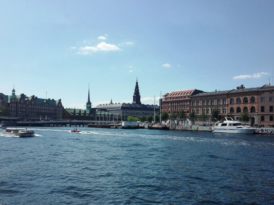 Blick auf die Börse und Schloss Christiansborg