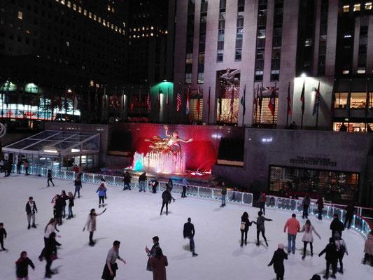Eisbahn vor dem Rockefeller Center ©Ben Simonsen