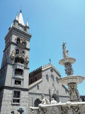 Dom von Messina mit Orionbrunnen