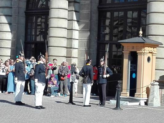 Wachablösung auf dem Schlossplatz © Ben Simonsen