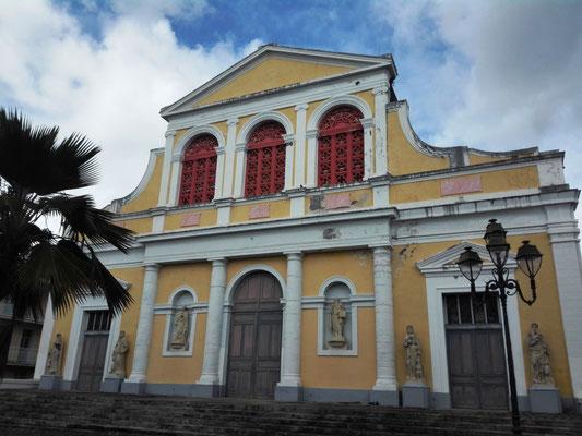 Basilika St-Pierre et St-Paul © Ben Simonsen