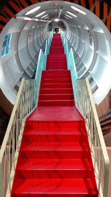 Treppenaufgang im Atomium