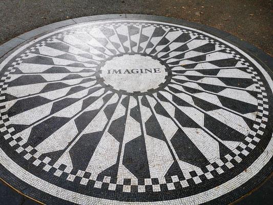 John Lennon Memorial © Ben Simonsen
