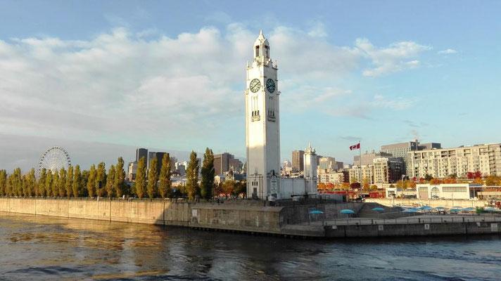 Clock-Tower ©Ben Simonsen