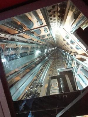 Fahrstuhl im Atomium