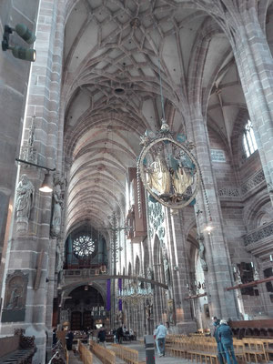 Kirchenschiff St. Lorenz