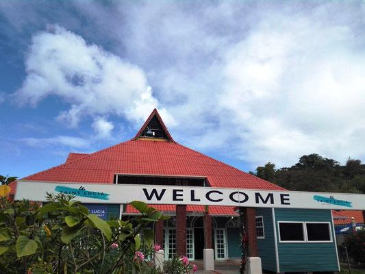 Welcome to St. Lucia © Ben Simonsen