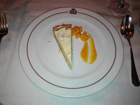 Dessert: Kokosnuss und Passionsfrucht Käsekuchen Tarte © Ben Simonsen