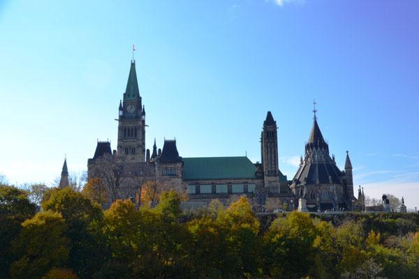 Blick aufs Parlamentsgebäude vom Major's Hill Park ©Ben Simonsen