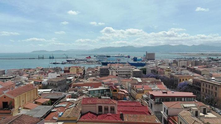 Blick über die Dächer von Cagliari