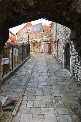 Weg entlang der Old Town Wall