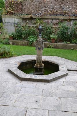 Queen Eleanors Garden