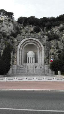 Monument aux Morts © Ben Simonsen