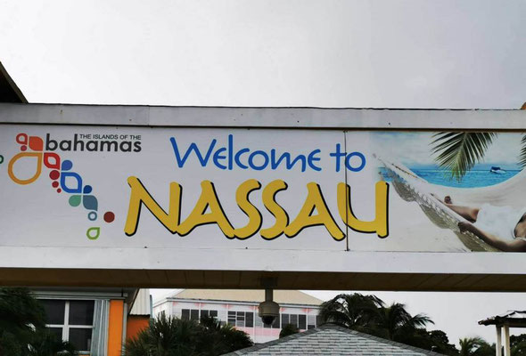 Welcome to Nassau © Ben Simonsen