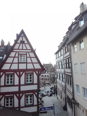 Altstadtgasse mit Blick aufs Albrecht Dürer Haus (im Hintergrund)