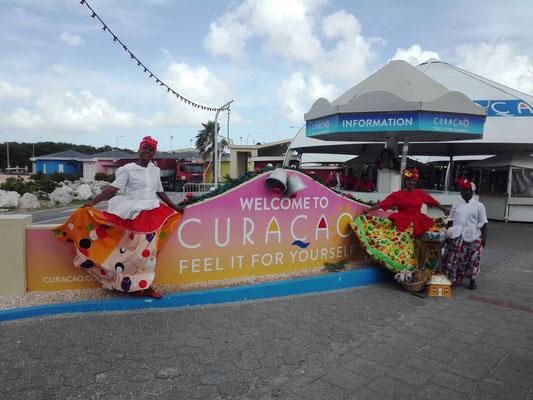 Welcome to Curacao © Ben Simonsen