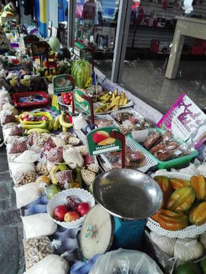 Kingstown Market © Ben Simonsen