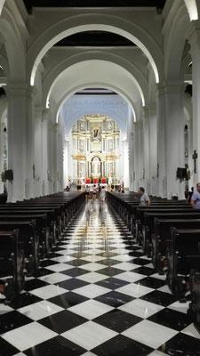 Kirchenschiff Basilica © Ben Simonsen
