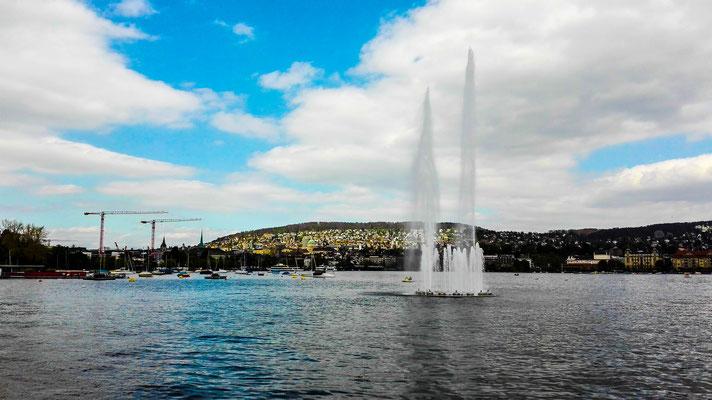 Fontäne auf dem Zürichsee