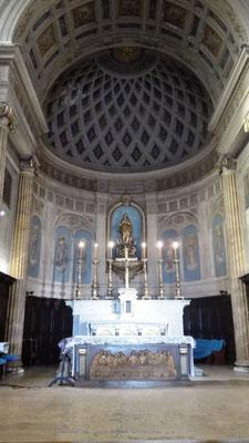 Altar Notre Dame du Port © Ben Simonsen