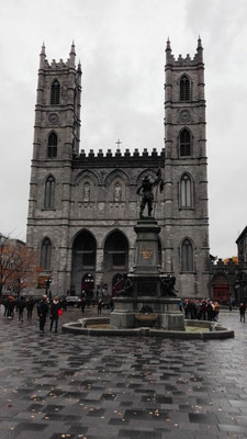 Place d'Armes und Notre Dame de Montréal ©Ben Simonsen