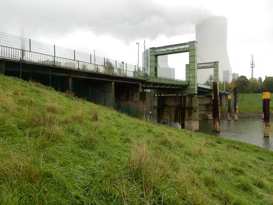 Geh- und Radwegbrücke Duisburg Walsum