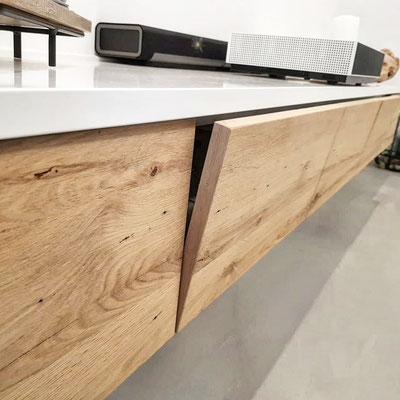 Lowboard mit recyceltem Altholz Eiche Klappen