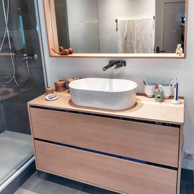 Waschtisch und Spiegelrahmen  Buche Multiplex geölt