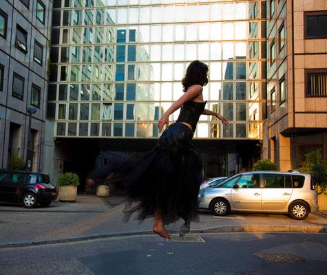 Photo: Charles Edouard Gil  / Stylisme et création: Laurine Masset / Modèle: Fanny