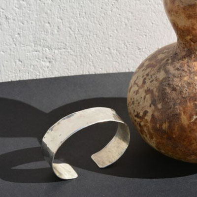 Bracelet en argent martelé
