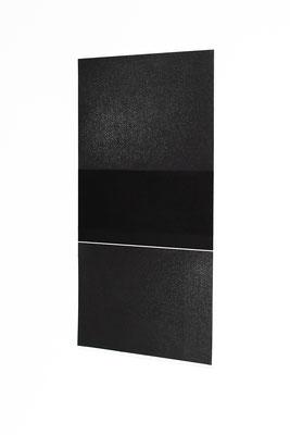 Alkyd en houtskool op papier, 49 x 26 cm (2020)
