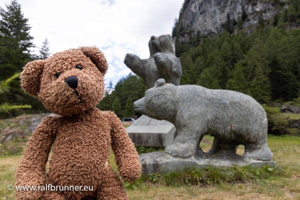 Hier im Virgental wissen die Menschen, wem sie Denkmäler zu setzen haben. Ein sehr sympathischer Menschenschlag sind das, die Osttiroler!