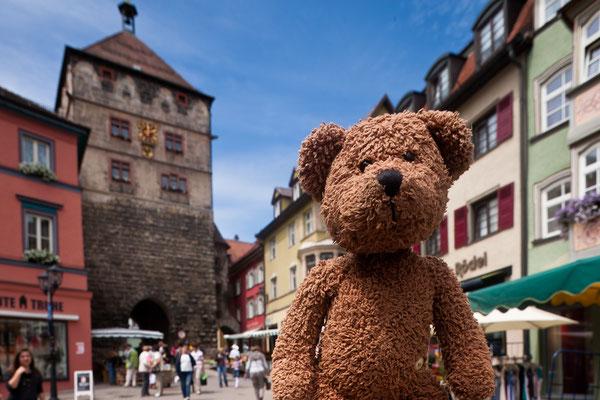 """Rottweil ist die älteste Stadt in Baden-Württemberg und liegt neben dem Schwarzwald. Vielleicht heisst der Turm hinter mir deshalb auch """"Schwarzes Tor""""?"""