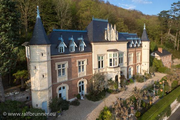 Luftaufnahme des  Manoir de Retival mit dem Restaurant G.A. in Caudebec-en-Caux